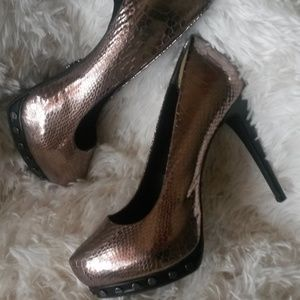 Simply Vera Wang Studded Heels